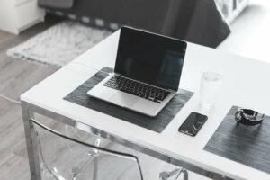 Guter Vorsatz: Schreibtisch aufräumen!
